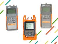Teljesítmény-csillapításmérő-fényforrás